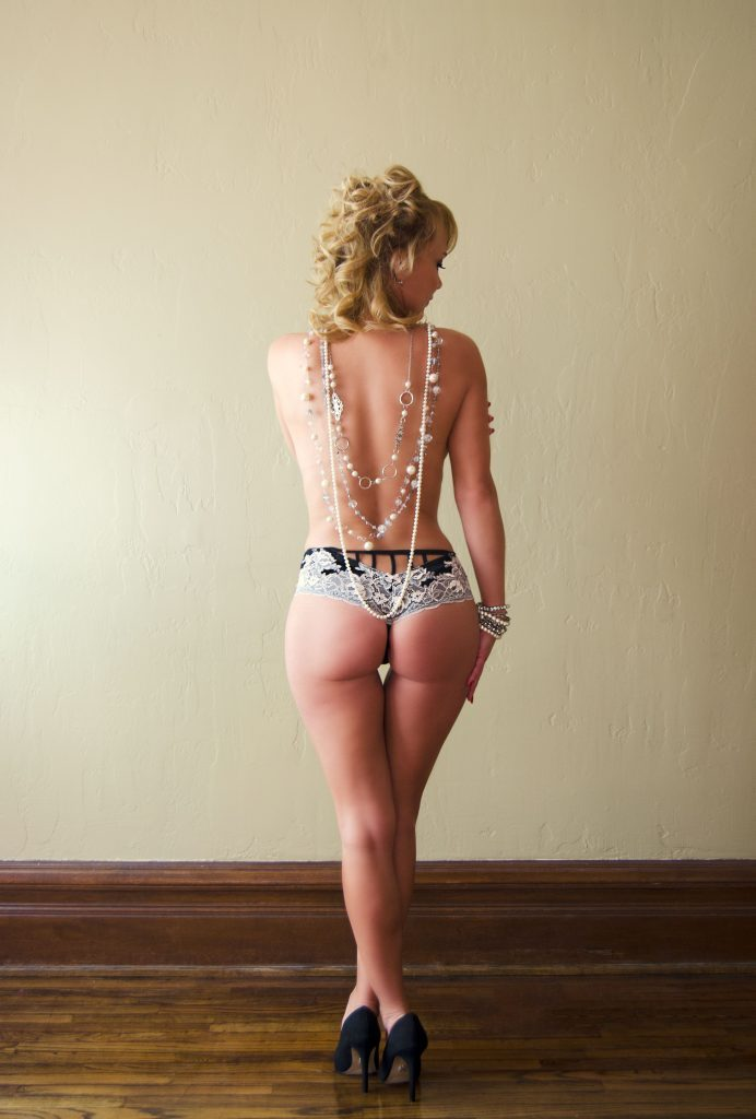 Girl wearing pearls Boudoir